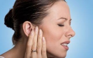 Как правильно промывать ухо от пробки в домашних условиях: обзор средств, алгоритм проведения чистки, меры безопасности