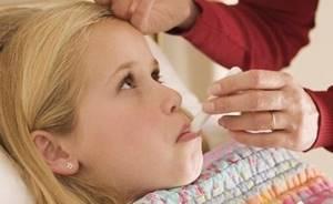 Какой кашель при пневмонии, если воспаление легких без температуры у взрослого и детей, ребенка