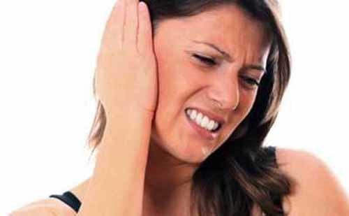 Болит кость за ухом слева