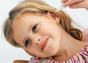 Зуд в ушах причины и лечение, что делать, чем лечить выделения