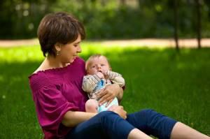 Можно ли гулять с ребенком при насморке польза и вред