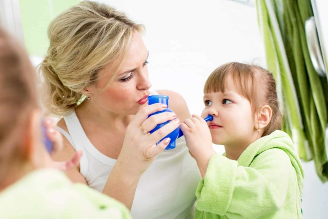 Как лечить затяжной насморк у ребенка правильно