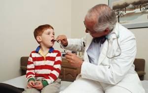 Сумамед при ангине у детей и взрослых дозировка, курс лечения